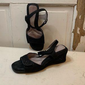 BeautiFeel black wedge heel sandals Size 8